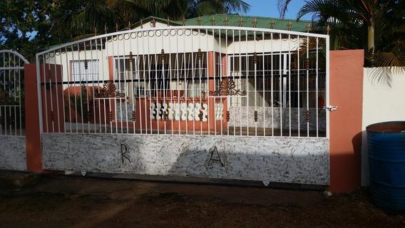 Casa Con Solar Vista Al Mar