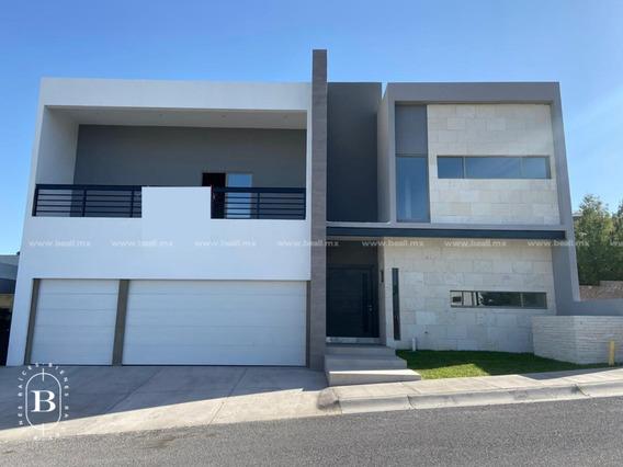 Casa En Venta Recamara En Planta Baja Lomas De San Charbel $12,300,000