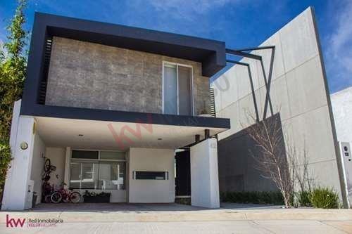 Casa En Venta En Horizontes Ii Frenta Área Verde Y Con Estudio En Pb $3,390,000.00