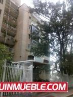 19-5028 Amplio Apartamento En Colinas De Los Caobos