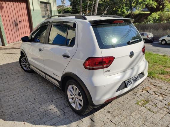 Volkswagen Fox 2017 1.0 12v Track Total Flex 5p