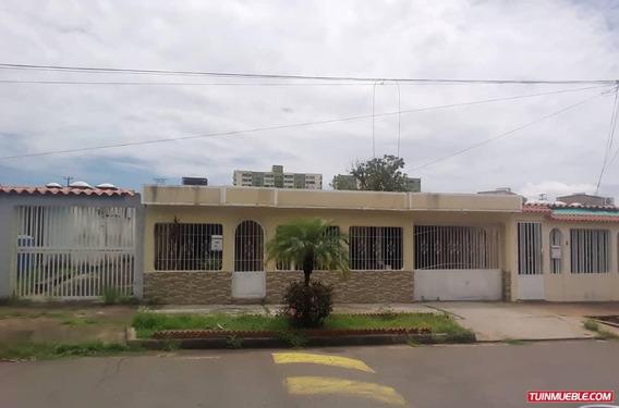 Casas En Villa Asia Moderna