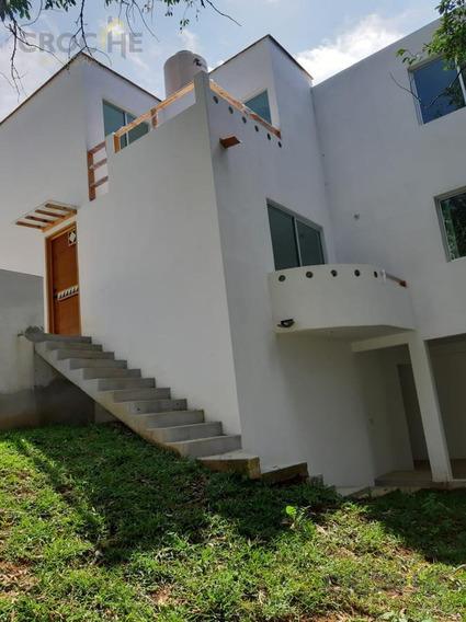 Casa En Venta En Xalapa Veracruz Col. Martires De Chicago, Zona Rebsamen, Cto. Presidentes, Centro