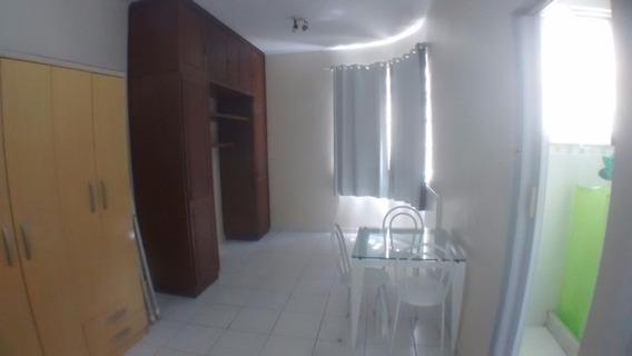 Kitnet Com 1 Quarto Para Alugar, 20 M² Por R$ 1.100 - Copacabana - Rio De Janeiro/rj - Kn0003