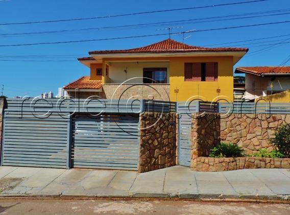 Lindo Sobrado Com 4 Suítes, 3 Salas, 2 Banheiros, Lavabo, Cozinha, 4 Vagas, Varanda Coberta, Quintal No Setor Sul Em Goiânia-go - Ca00257 - 4717393