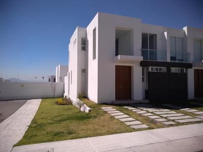 Hermosa Casa De 3 Habitaciones. Vista Panoramica. Vigilancia