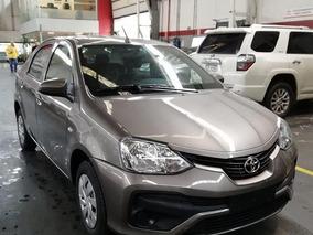 Toyota Etios X-b 2018 Gris Oscuro 0km