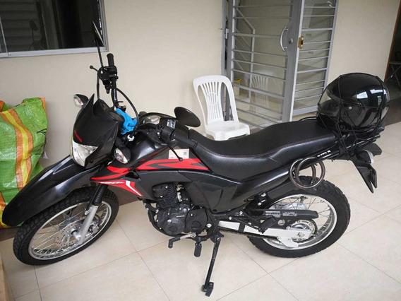 Moto Honda Xr 190l 2017 Plus 2 Cascos Y Cobertor