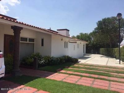 Casa En Renta En San Gil, San Juan Del Rio, Rah-mx-18-218