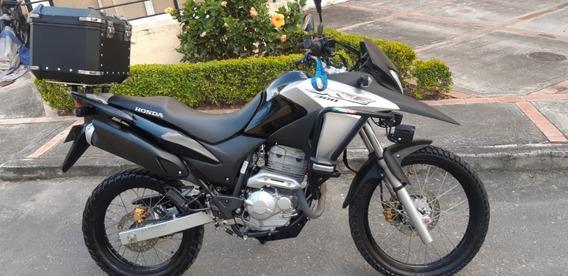 Honda Xre 300 Negra