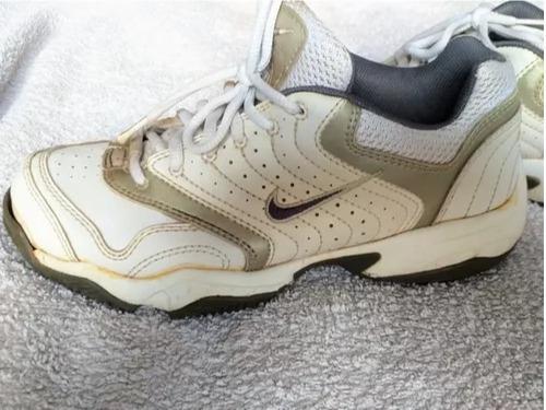 Zapatillas Cuero Nlke - Mujer - Talle 37
