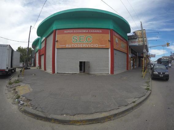 Excelente Local Sobre Av. Carlos Casares (centro Comercial)