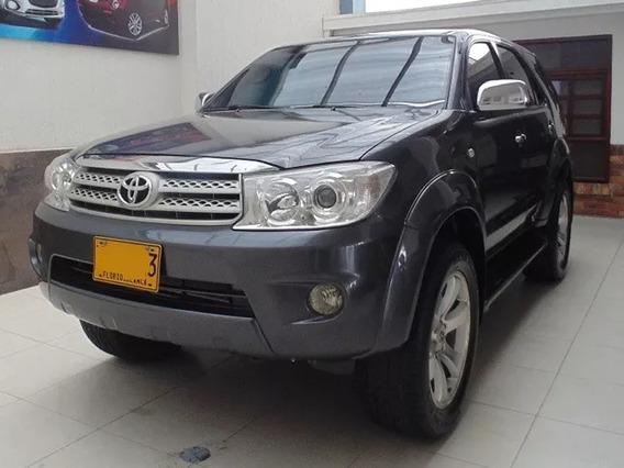 Toyota Fortuner Srv 2011
