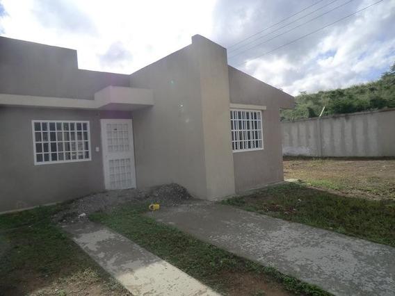 Casa En Canaima Dos
