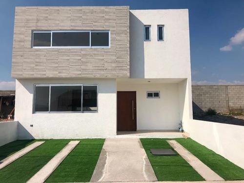 Preciosa Casa En Zen Life, Alberca, 4ta Recámara En Pb, 3 Baños Completos, Lujo!