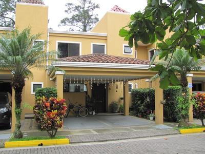 Se Vende Condominio En Los Arcos, Heredia