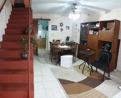 Venta De Casa Duplex Cercana Al Antel Arena