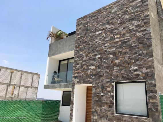 Casa En Venta En El Condado, Corregidora, Rah-mx-20-2290