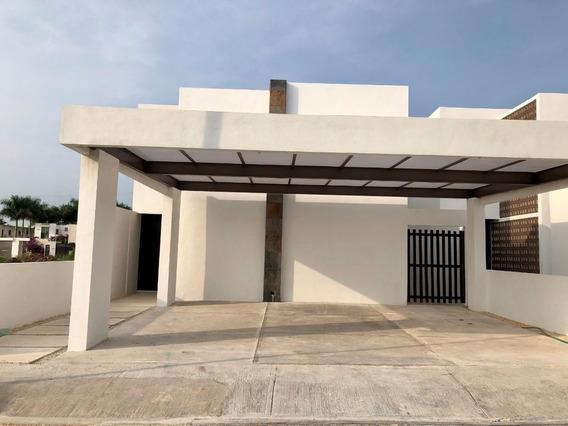 Residencia En Privada Avenida Conkal Entrega Inmediata. Zona Norte Mérida.