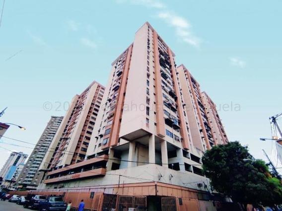 Apartamento En Venta Zona Centro - Maracay 20-24339hcc