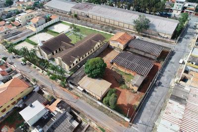Terreno De 2.400 M², Com 3 Galpões E Escritório Com 6 Salas
