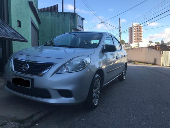 Nissan Versa S 1.6 - 2012/2013 - Prata