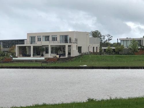 Casa - Albanueva