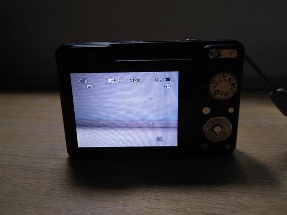 Máquina Digital Sony Cyber-shot + Carregador De Bateria.