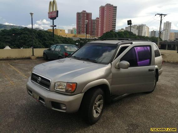 Nissan Pathfinder Lujo 4x4