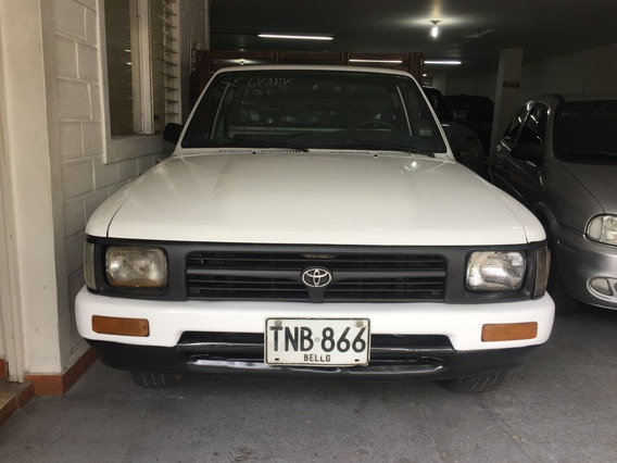 Toyota Hilux Estacas.modelo:1994 Reparada Carpa Alta,varilla