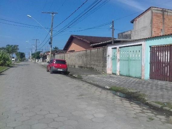 Casa De Praia, 2 Dormitórios, Rua Calçada, Ótimo Bairro!