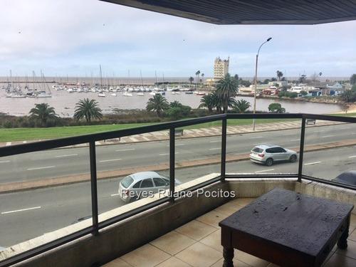 Venta Apartamento 4 Dormitorios Frente Puerto Del Buceo