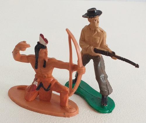 Imagen 1 de 7 de Set X 2 Figuras Oeste Indio Cowboy Soldadito Plastico Retro