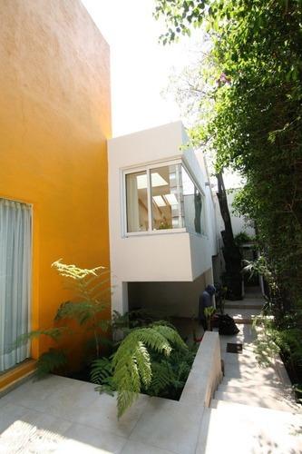 Casa En Venta Jardines En La Montaña, De Diseño