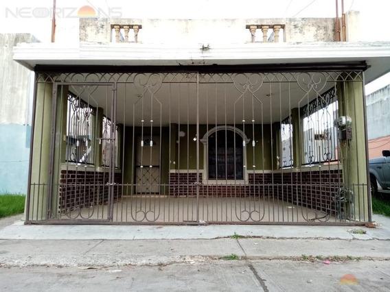 Renta De Casa En Fracc Los Robles, Cd. Madero, Tam.