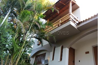 Casa Em Coronel Aparício Borges Com 3 Dormitórios - Bt4670