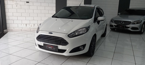 Ford Fiesta Titanium 1.6 - 2015 Automático