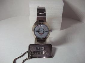 Relógio Yankee Street