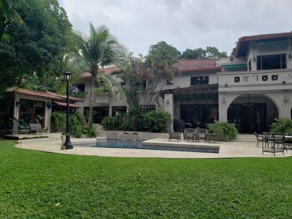 Se Alquila Casa En Altos Del Golf Cl198091