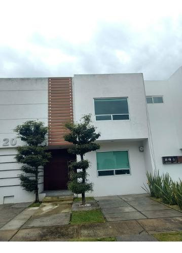 Casa En Olivos Residencial Con Terminados De Luijo