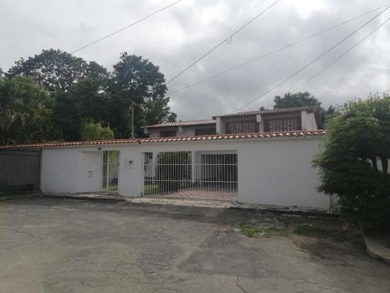 Casa En Venta Zona Este Mls 19-184 Rbl