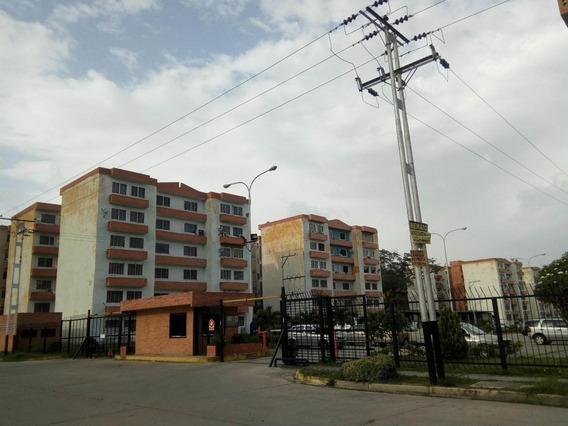 Apartamento En Venta La Trigaleña Valencia Cod 21-773 Ddr