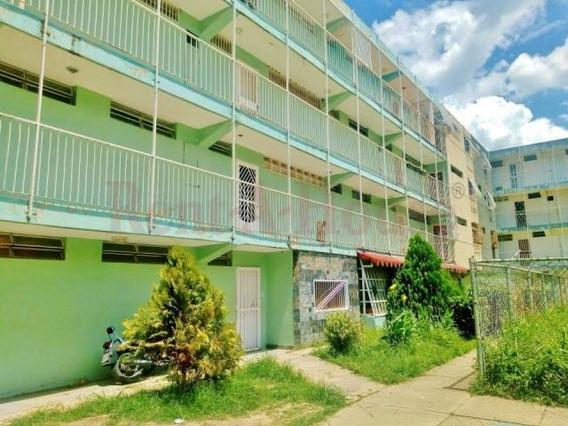 Apartamento En Venta Urb.caña De Azúcar-maracay 20-23826hcc