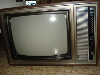 Televisor Tv Sharp Lynitron