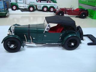 Miniatura Aston Martin 1934 1/18 Signature Models Verde #g27