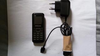 Celular Samsung E1075 L Com Carregador Para Arrumar Ou Peças