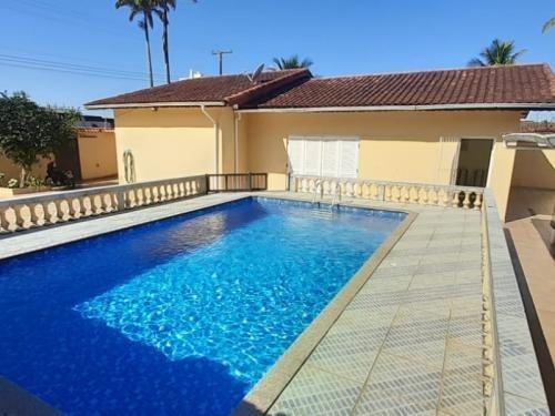 Casa No Litoral Com Piscina E 3 Quartos Em Itanhaém Ca020-pc