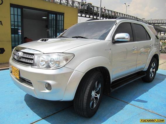 Toyota Fortuner Srv Mt 3000 Cc Aa