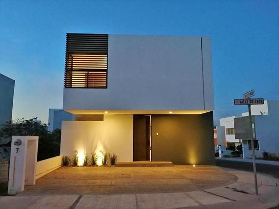 Casa Nueva En Venta En Zibata Con Roof Garden Y Acabados De Lujo