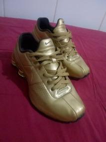 Tênis Nike Shox Ouro
